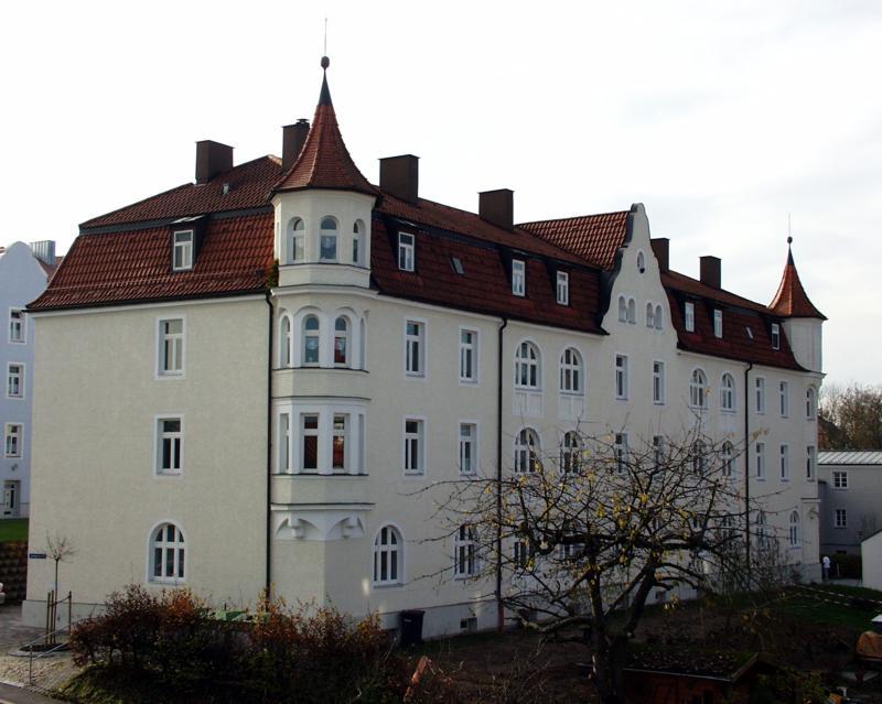 Spitzbergstraße 6, 6a, 6b
